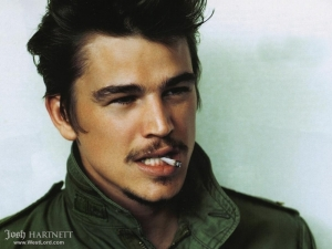 Actor and Teen Hartthrob Josh Hartnett Can't Draw Giraffes.